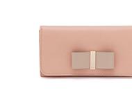 クロエ 財布も人気が高いので高価買取中! 画像