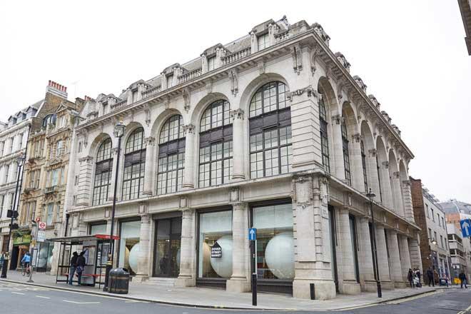 ロンドンの1号店画像