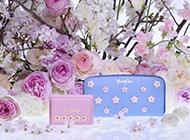 ジミーチュウ 人気の財布は高く買取ります! 画像