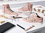 ジミーチュウ スニーカーなどの靴も高く売れます! 画像