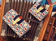 グッチ シルヴィ 財布も高く売れます! 画像
